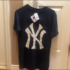 Tops - New York Yankees Tee Size S